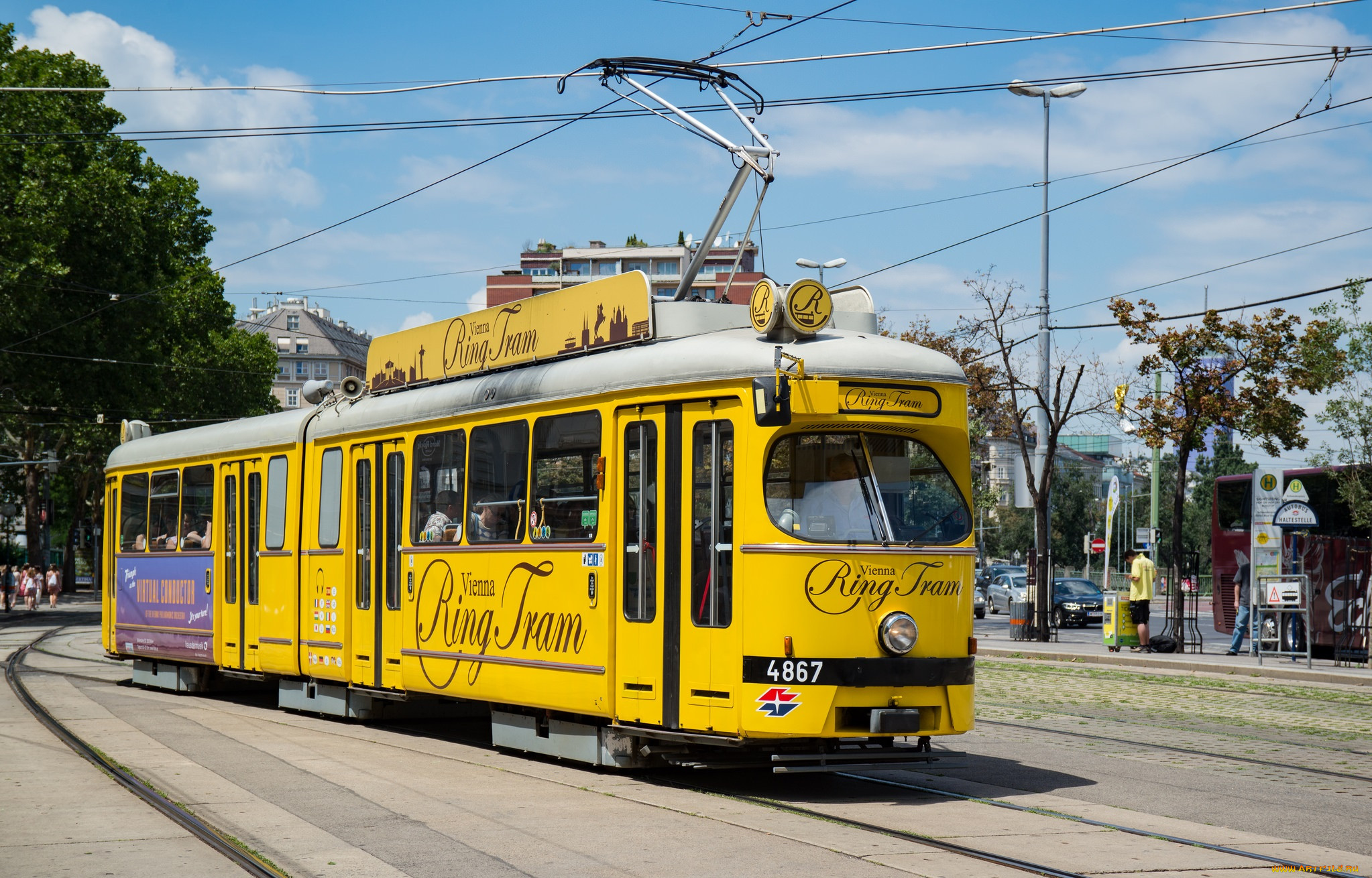 покажи картинки трамваев блестящие, манящие